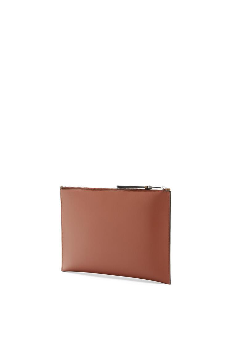 LOEWE Flat Pouch In Smooth Calfskin Cognac pdp_rd