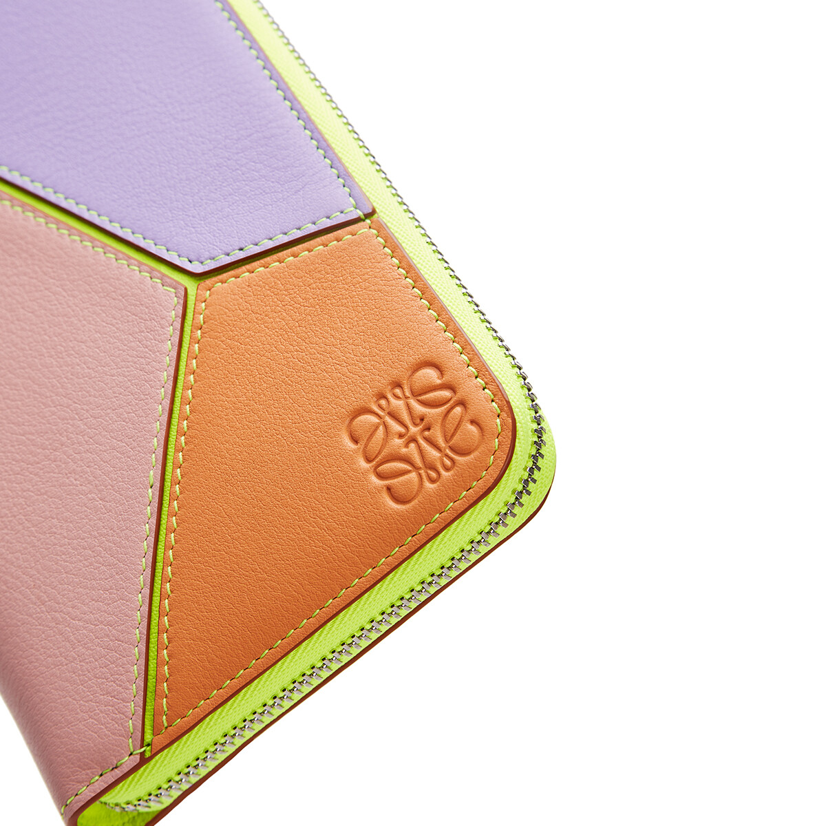LOEWE Puzzle Zip Around Wallet In Classic Calfskin Mauve/Soft Apricot front