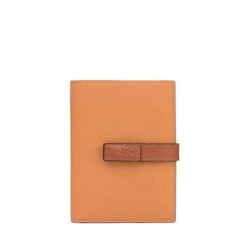 Medium Vertical Wallet