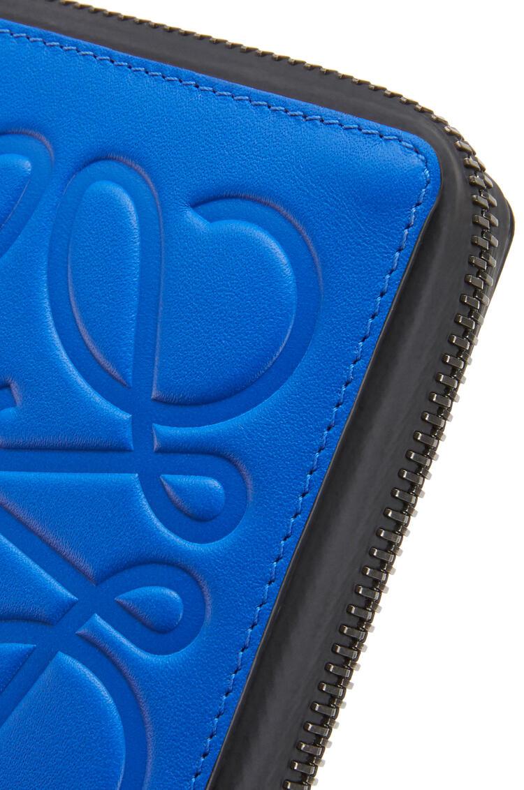LOEWE Square zip wallet in soft calfskin Electric Blue/Orange pdp_rd