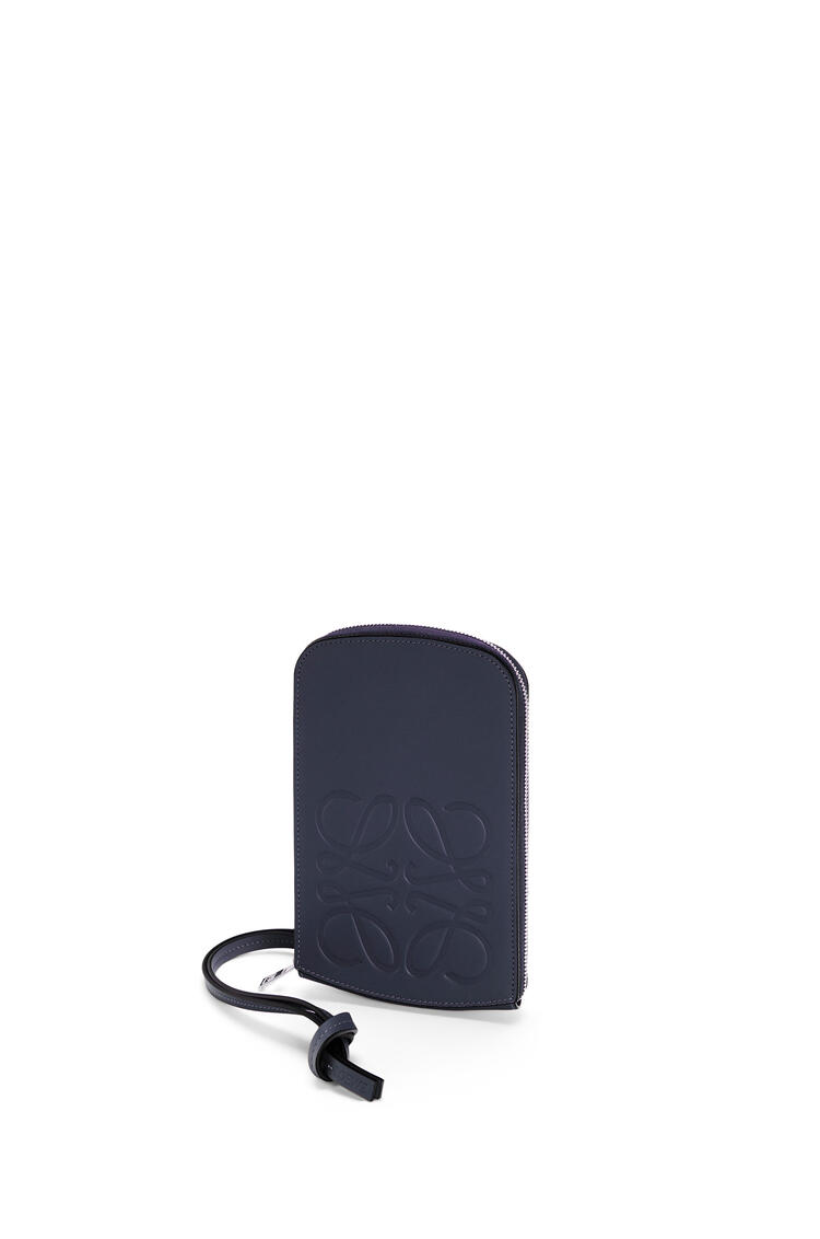 LOEWE Brand multi-functional case in smooth calfskin Midnight Blue pdp_rd