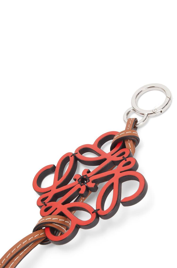 LOEWE Charm De Anagrama En Piel De Ternera Rojo pdp_rd
