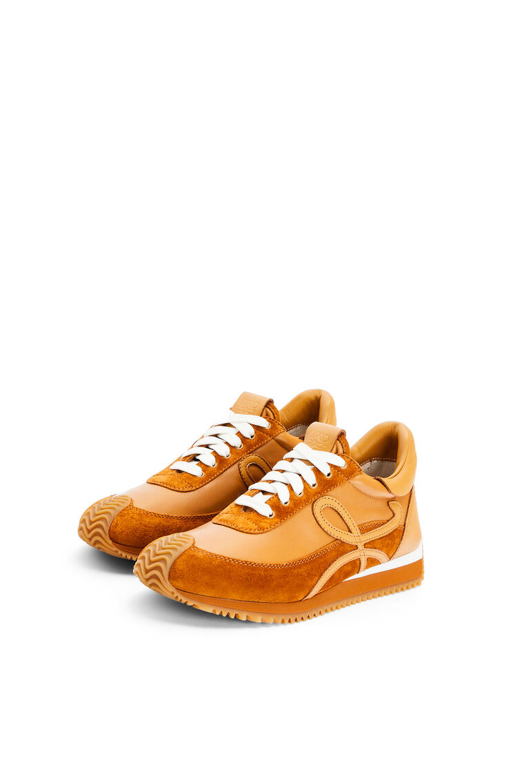 LOEWE Flow Runner in lambskin and calfskin Tan pdp_rd