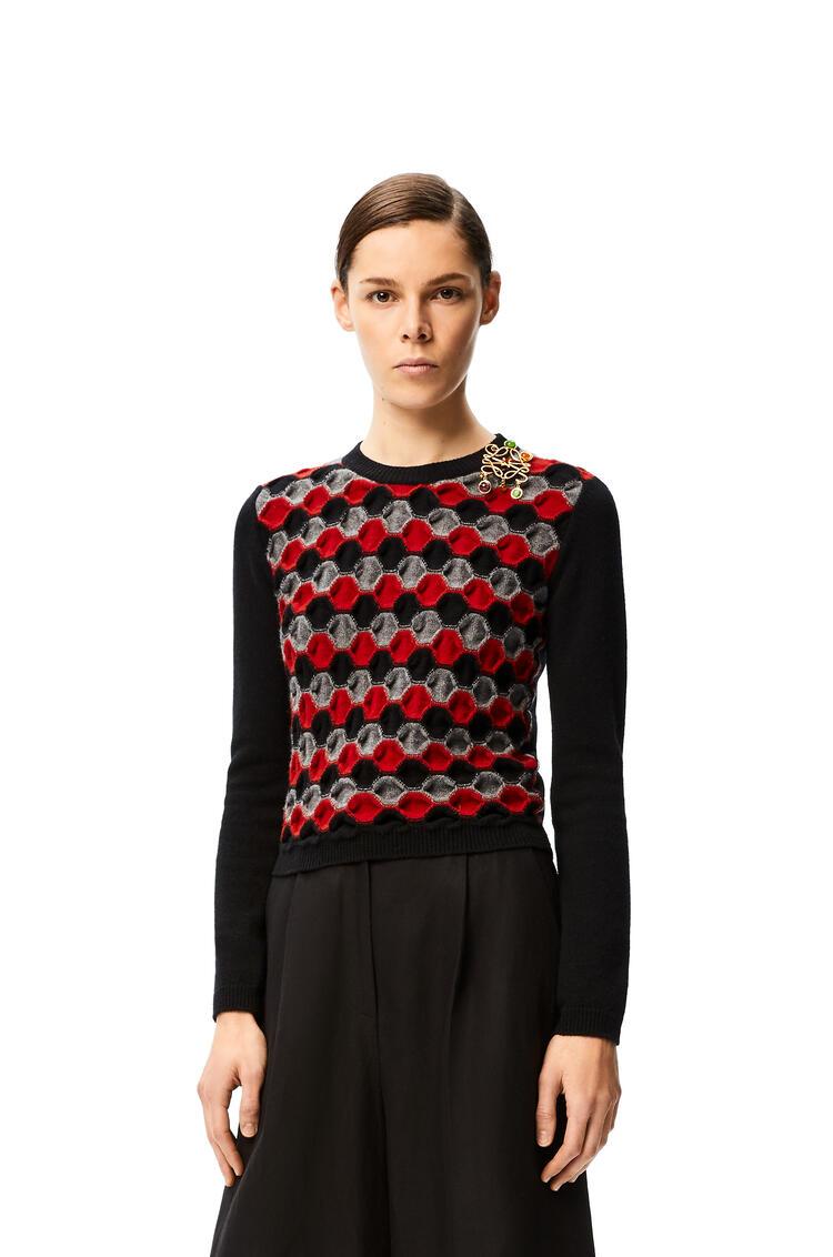 LOEWE Jersey de cuello redondo en lana adornado con anagrama Negro/Burdeos pdp_rd