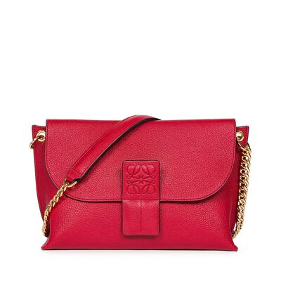 LOEWE Avenue Bag Rouge/Red front