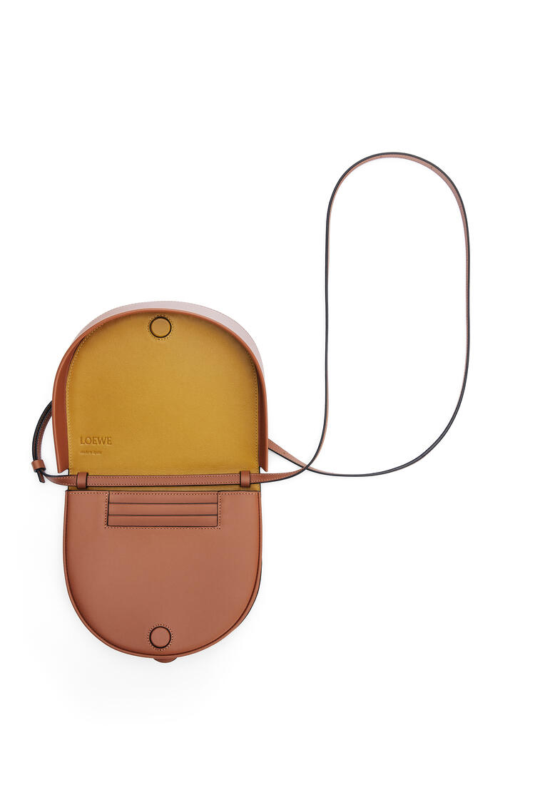 LOEWE Heel bag in soft calfskin Tan/Ochre pdp_rd