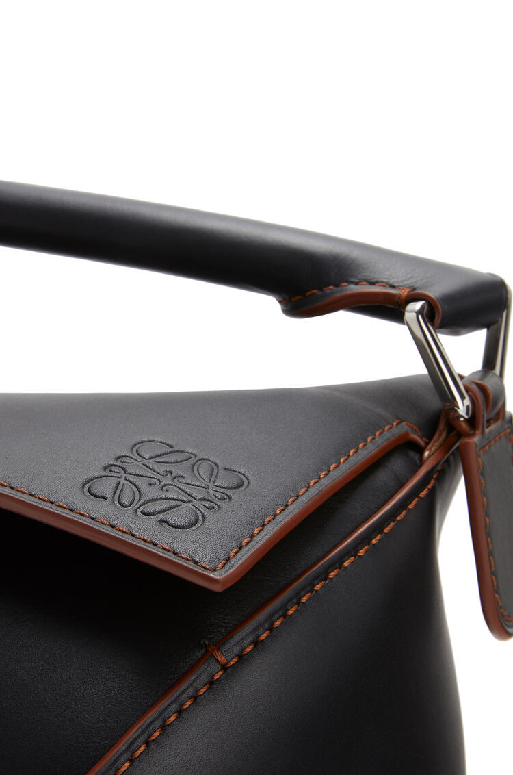 LOEWE Large Puzzle Edge bag in natural calfskin Black pdp_rd
