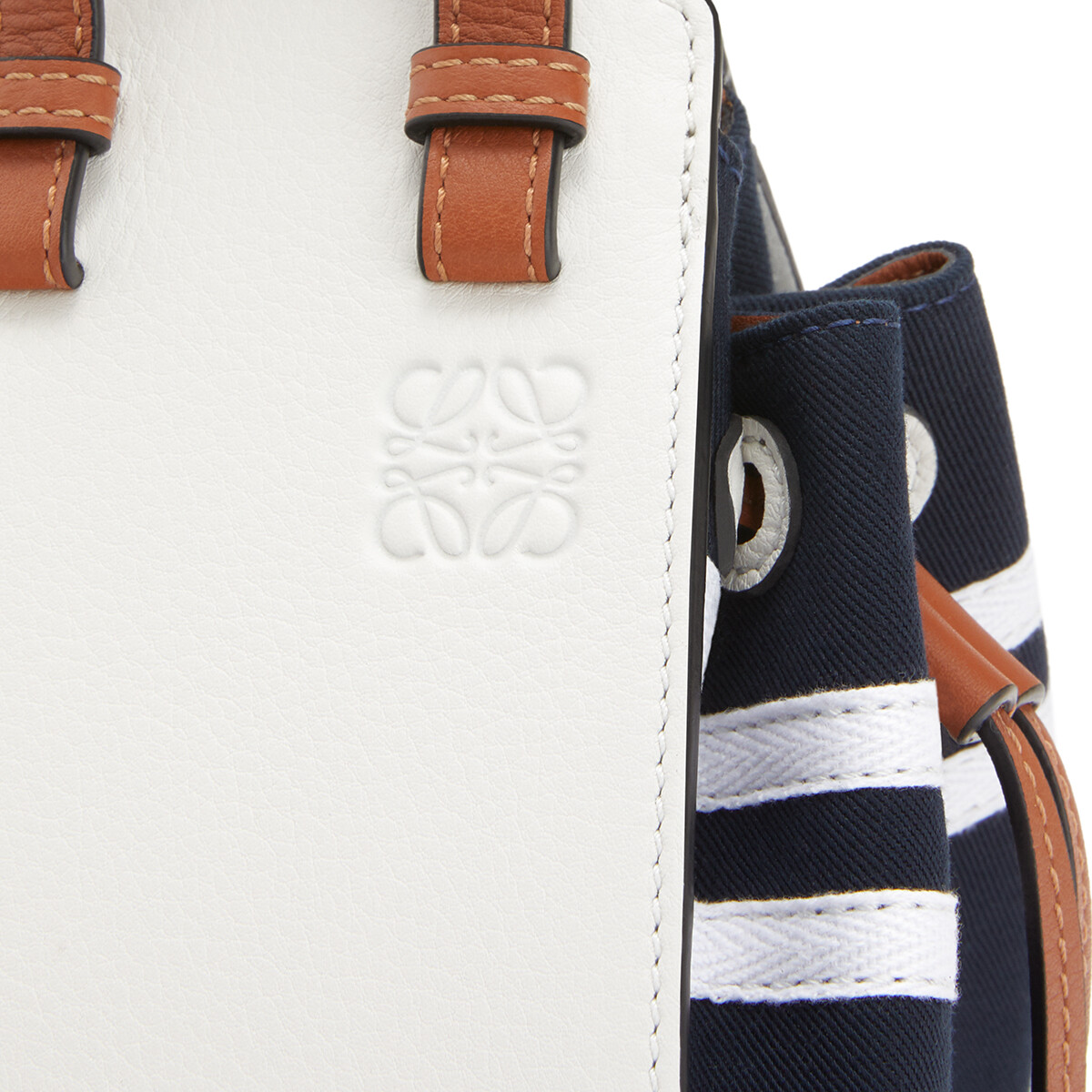 LOEWE HAMMOCK DW迷你水手包 Deep Blue/Soft White front