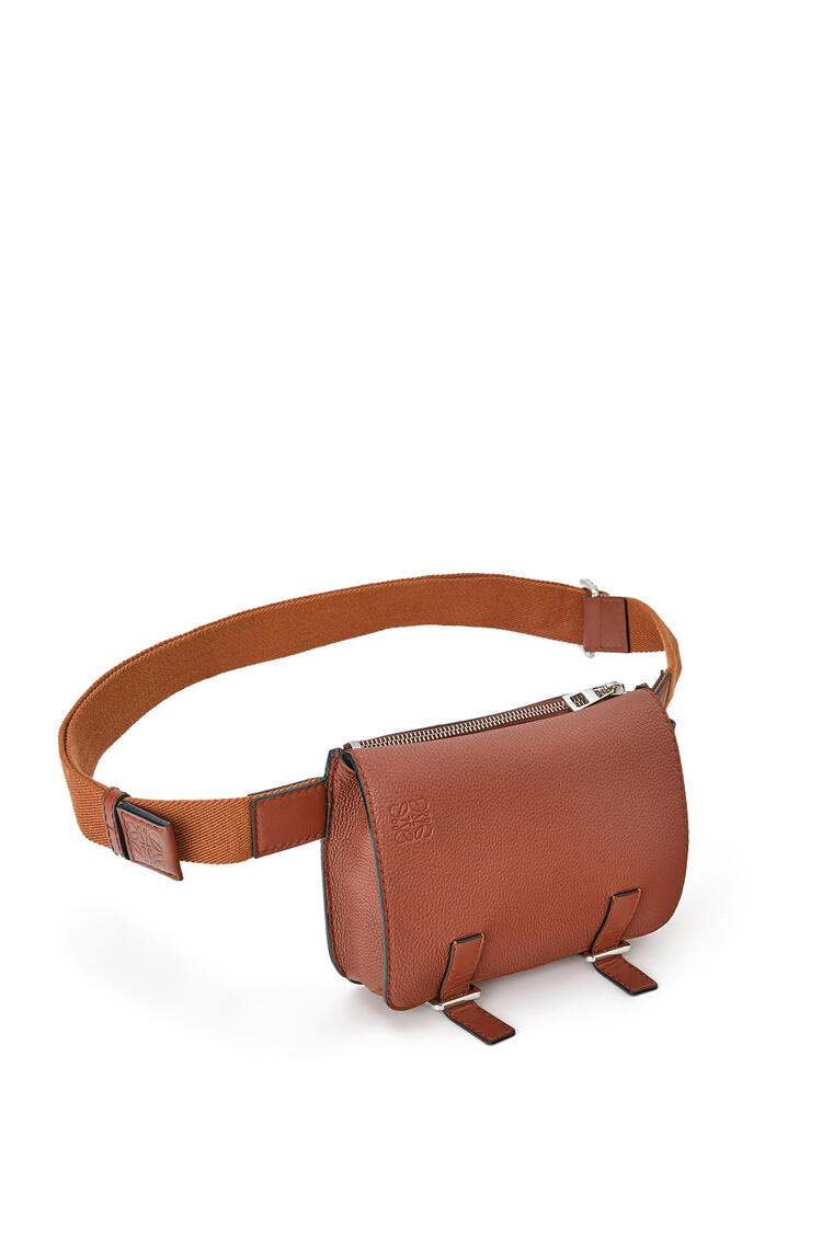 LOEWE Military bumbag in soft grained calfskin Cognac pdp_rd