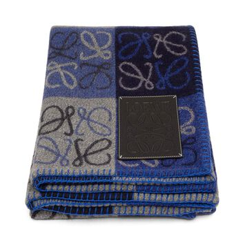 LOEWE 135X170 Anagram Blanket Blue Multitone/Black front