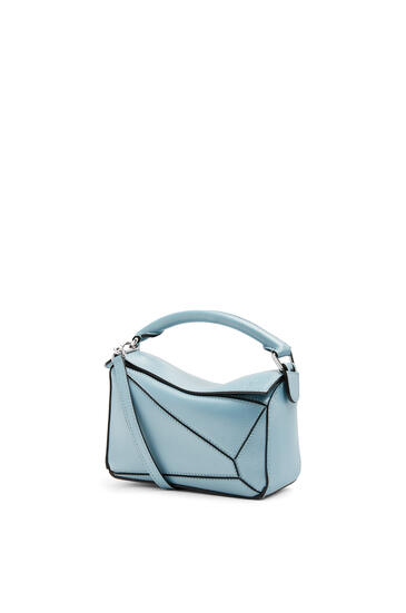 LOEWE Mini Puzzle Bag In Pearlized Calfskin 淺藍 pdp_rd