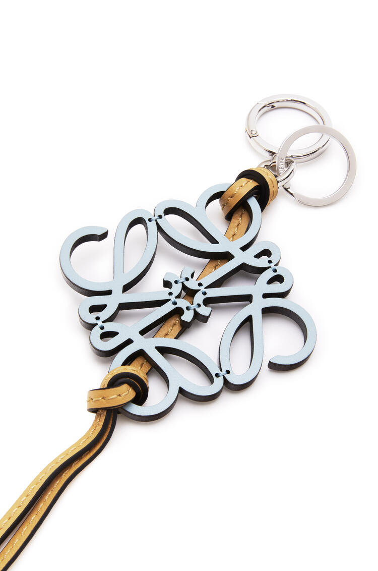 LOEWE Anagram charm in calfskin Light Blue/Honey pdp_rd