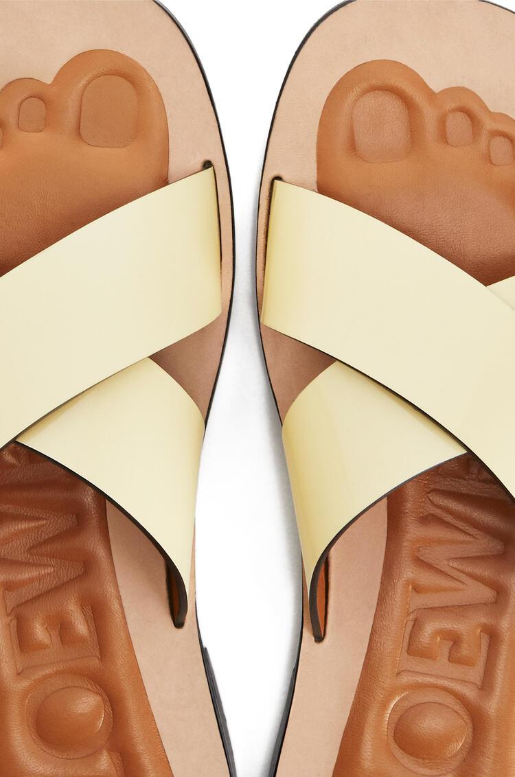 LOEWE Criss Cross Sandal In Calfskin Light Yellow pdp_rd