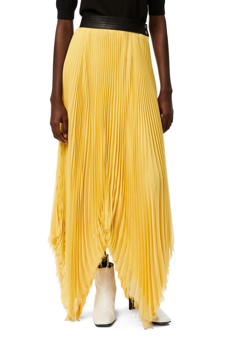 LOEWE Falda plisada asimétrica en poliéster con ribete de piel Amarillo Claro pdp_rd