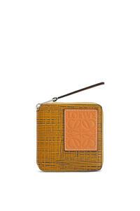 LOEWE Cartera Square zip en piel de ternera Ocre/Topo pdp_rd