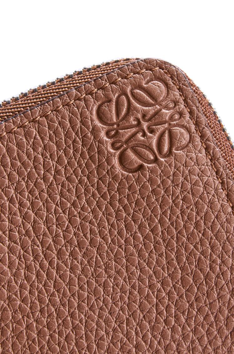 LOEWE 粒面牛皮革硬币卡包 Cognac pdp_rd