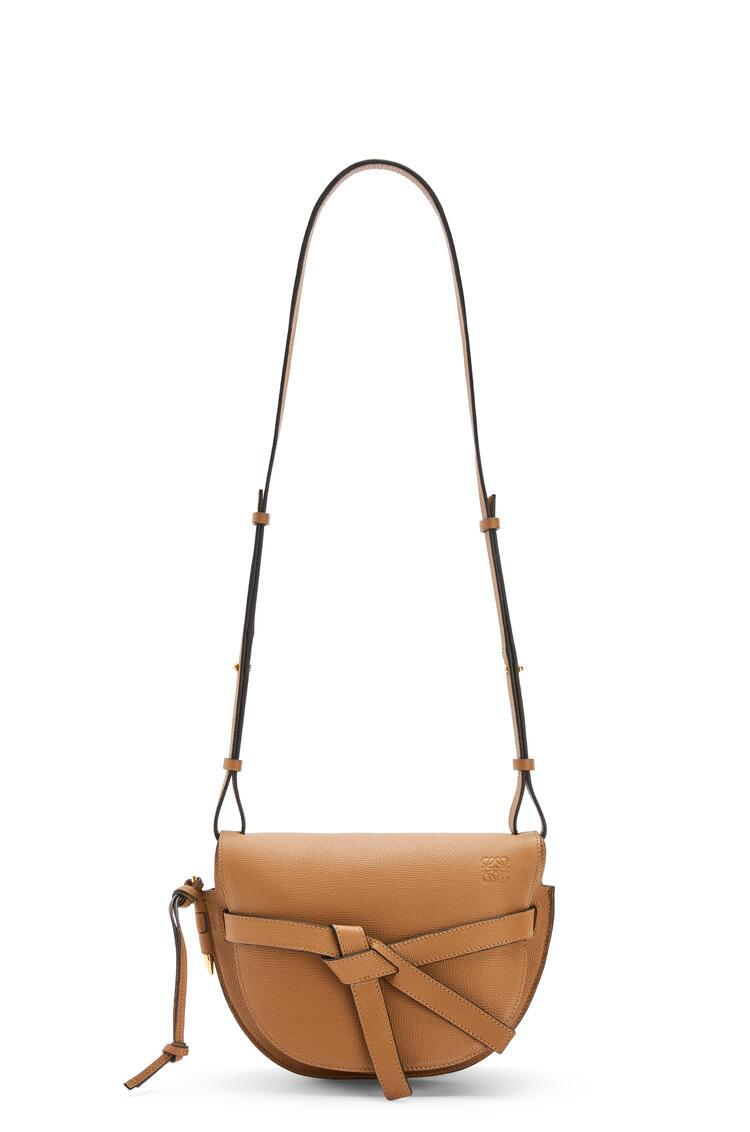 LOEWE Small Gate bag in pebble grain calfskin Oak pdp_rd