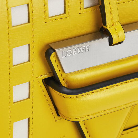 LOEWE Barcelona Grid Bag 黄色/白色 front