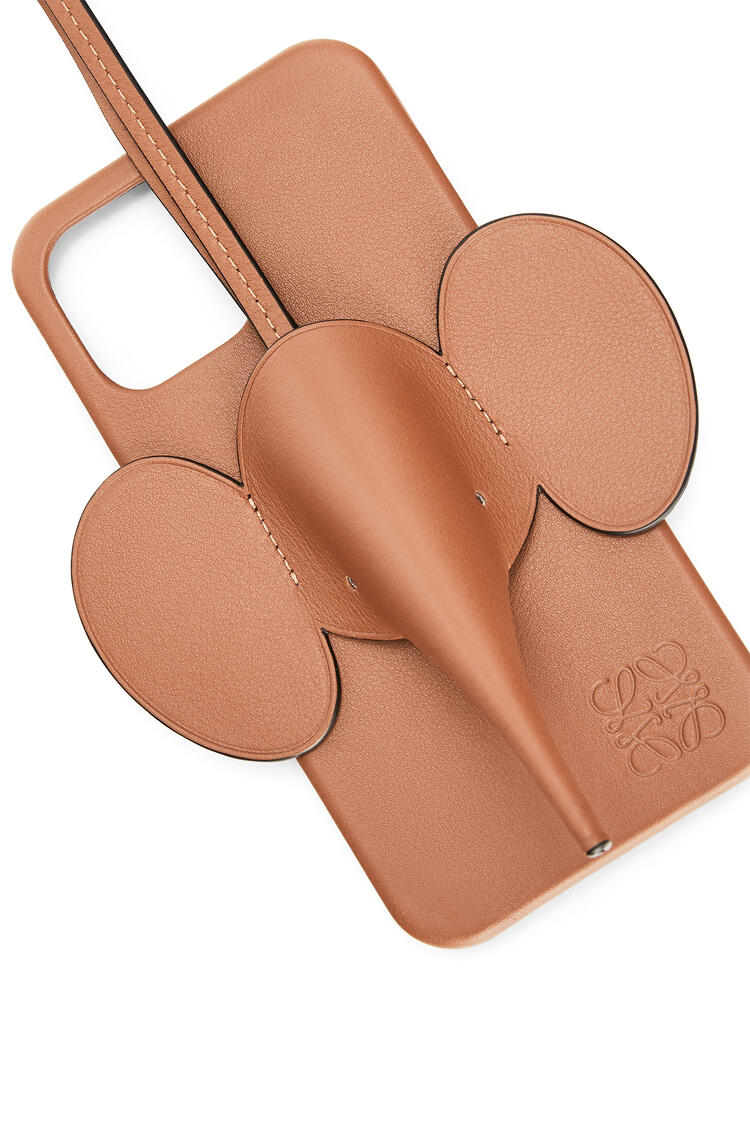 LOEWE Elephant phone cover in calfskin for iPhone 12 Pro Max Tan pdp_rd