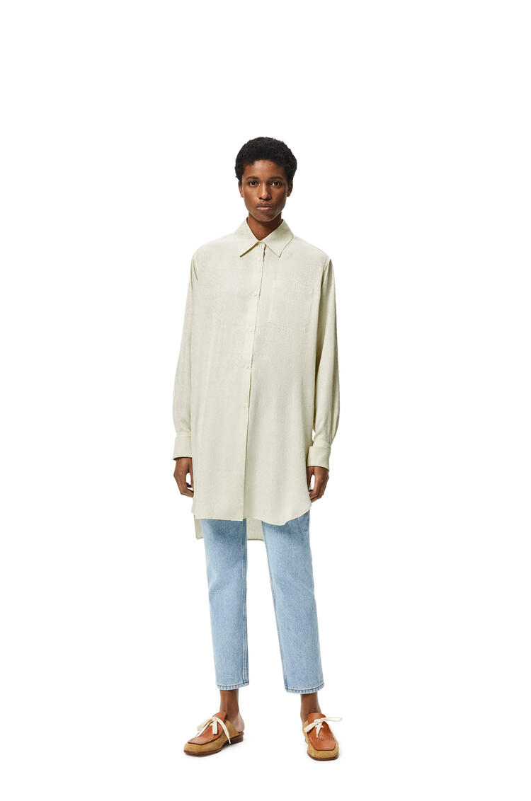 LOEWE Camisa larga en seda con Anagrama en Jacquard Ecru pdp_rd