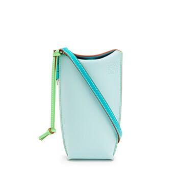 LOEWE Gate Pocket En Piel De Ternera Suave Mint/Blueberry front