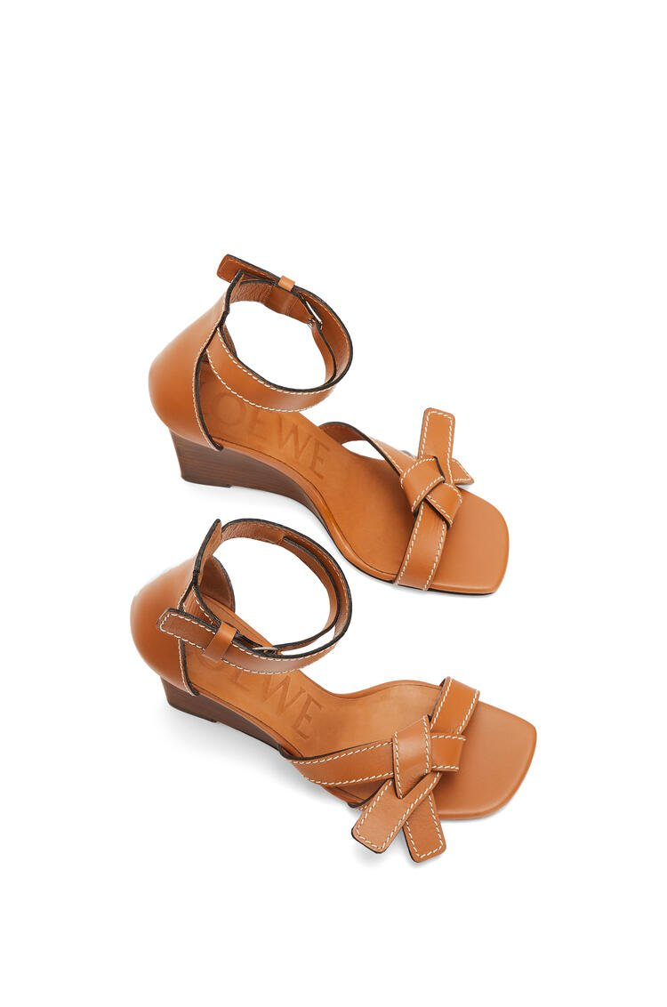 LOEWE Gate wedge sandal in calfskin Light Caramel pdp_rd
