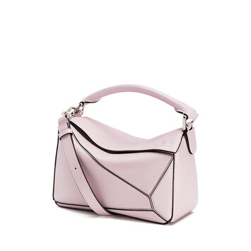 LOEWE 小号Puzzle手袋 Icy Pink front