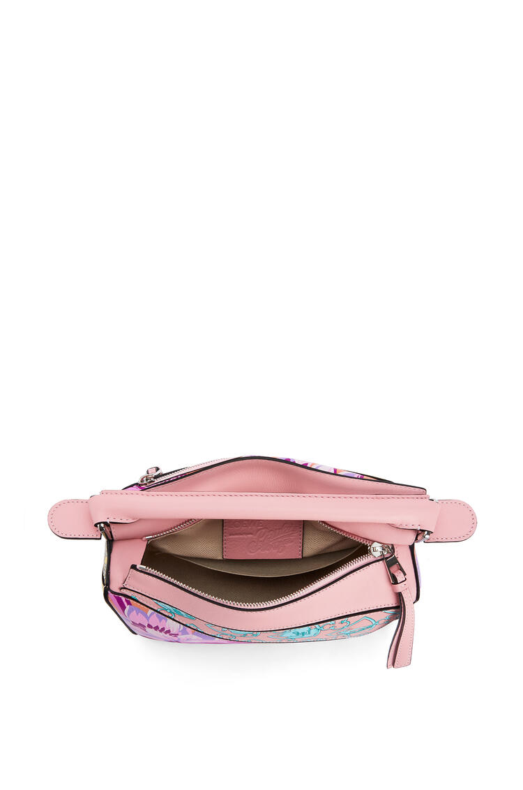 LOEWE Small Puzzle Bag In Waterlily Classic Calfskin Salmon/Icy Pink pdp_rd