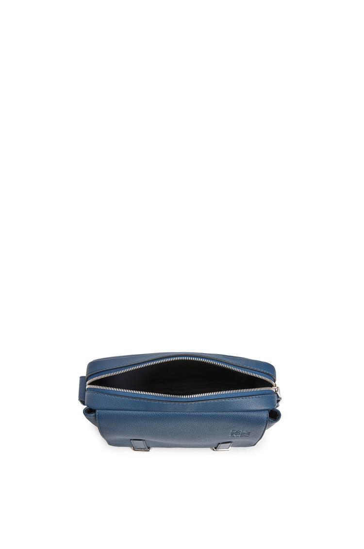 LOEWE ミリタリー メッセンジャーバッグ XS(ソフト グレイン カーフスキン) インディゴ pdp_rd