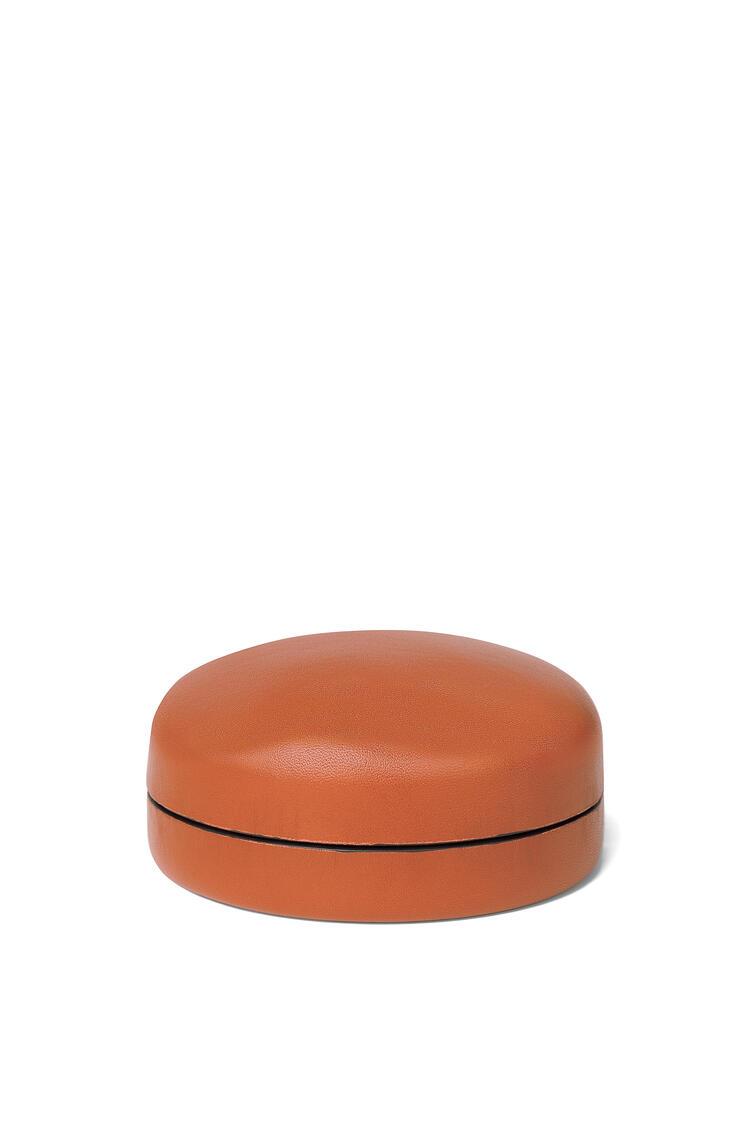 LOEWE Medium box in kipskin Pecan pdp_rd