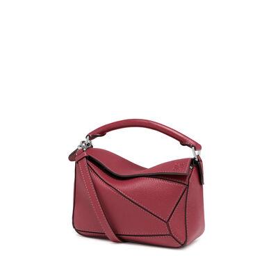 LOEWE Mini Puzzle Bag 覆盆莓色 front