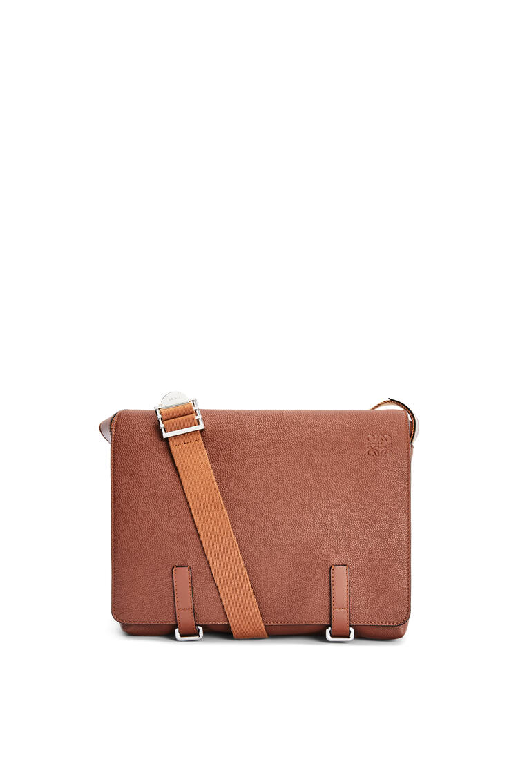 LOEWE Military Messenger Bag in soft grained calfskin Cognac pdp_rd