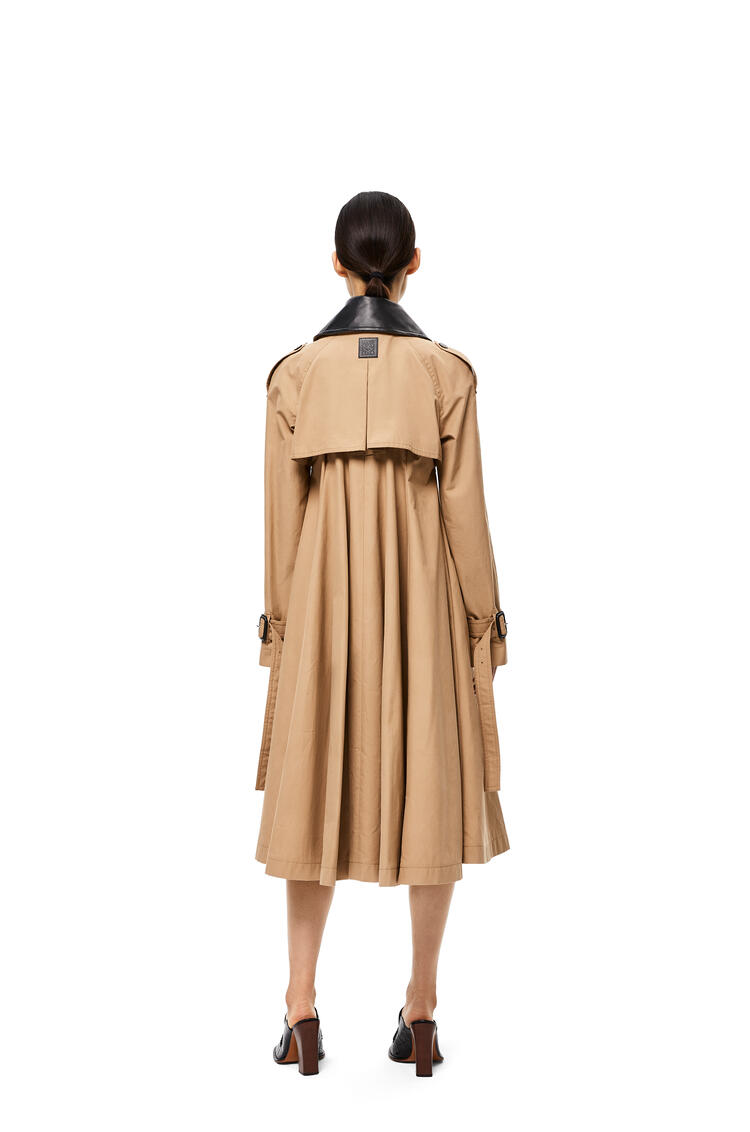 LOEWE Pleated trench coat in cotton Beige pdp_rd