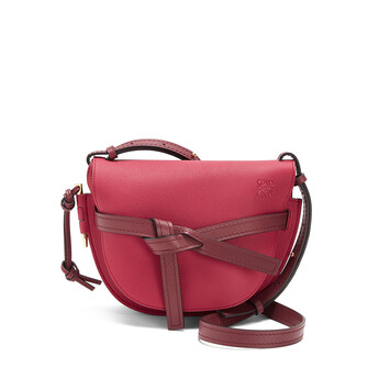 LOEWE Gate Small Bag Raspberry/Wine front