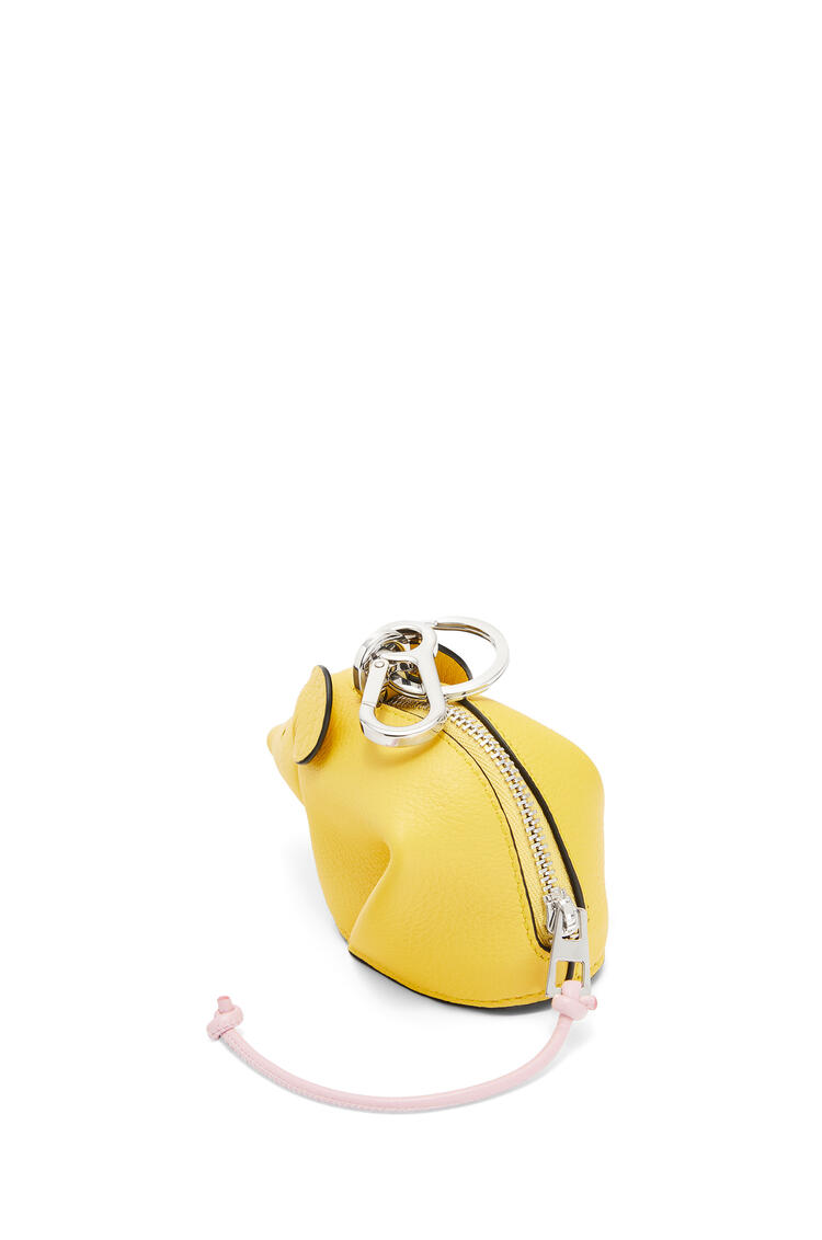 LOEWE Mouse charm in classic calfskin Yellow/Candy pdp_rd