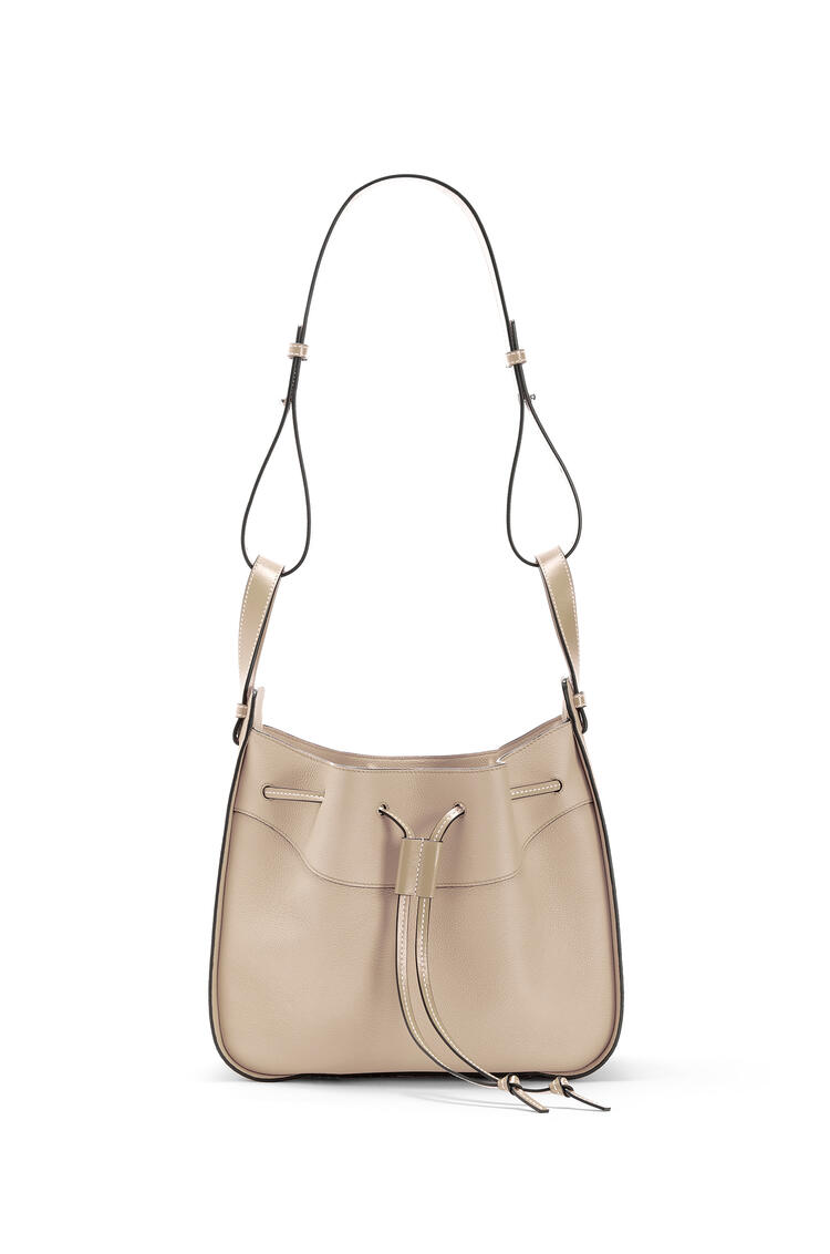 LOEWE Hammock Drawstring bag in soft grained calfskin Light Oat pdp_rd
