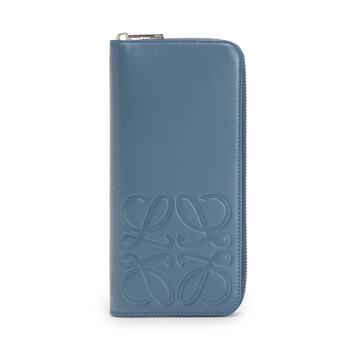 LOEWE Billetero Vertical Brand Azul Acero front