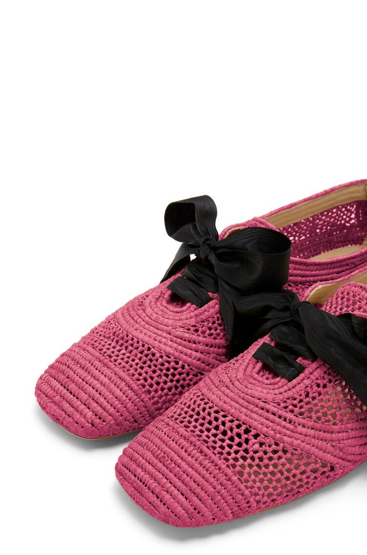 LOEWE Zapato derby en rafia Fucsia pdp_rd