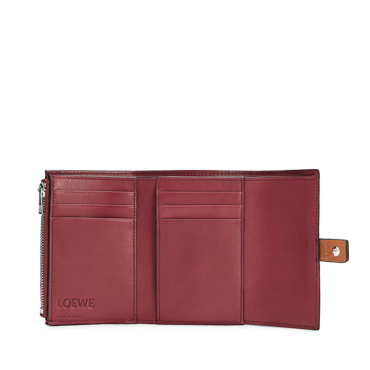 LOEWE Small Vertical Wallet Light Caramel/Pecan front