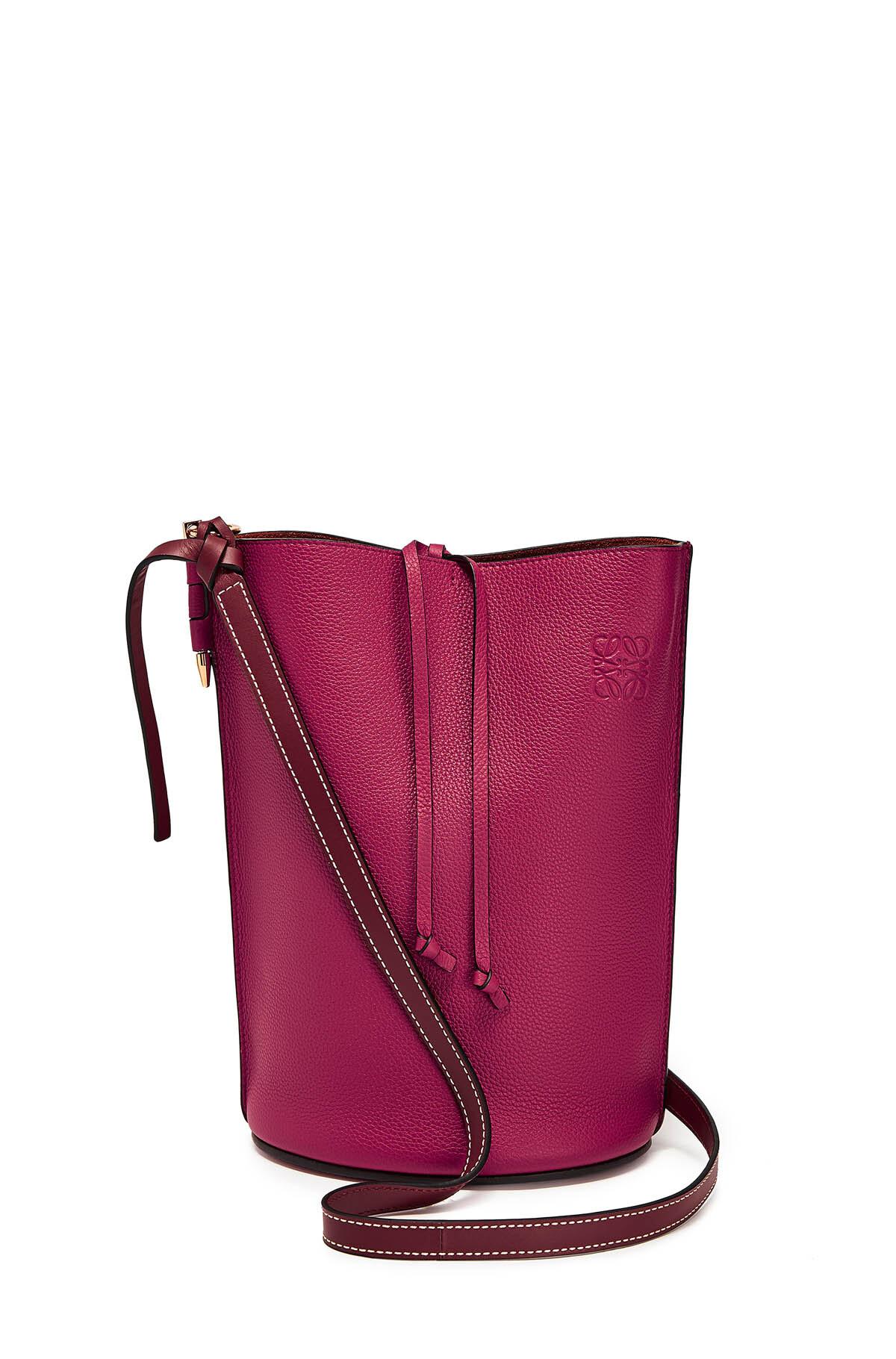 LOEWE Gate Bucket Bag Raspberry/Wine front