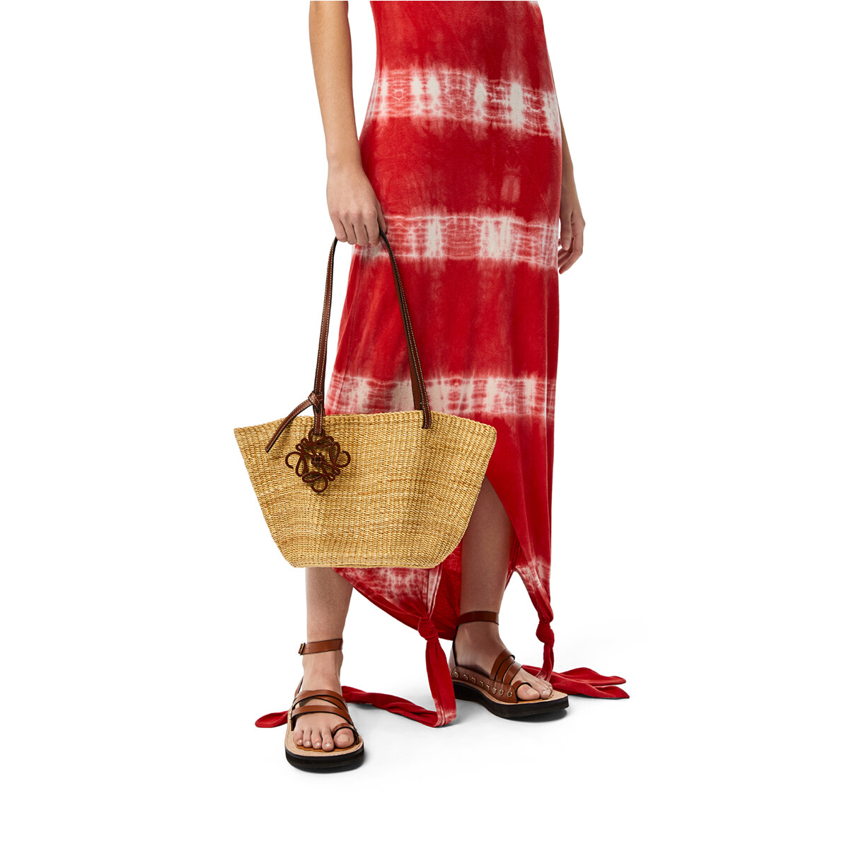 LOEWE Small Shell Basket Bag In Elephant Grass And Calfskin Natural/Pecan front
