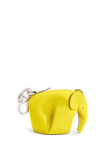 LOEWE Charm Elephant En Piel De Ternera Clásica Amarillo pdp_rd