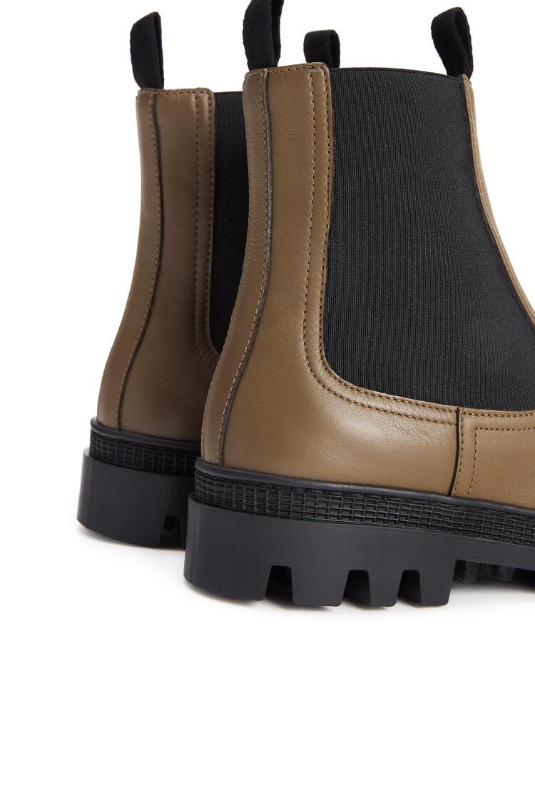 LOEWE Chelsea boot in calfskin Khaki Green pdp_rd