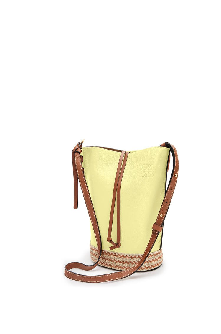 LOEWE Gate Bucket Bag In Raffia And Soft Grained Calfskin Light Yellow/Tan pdp_rd