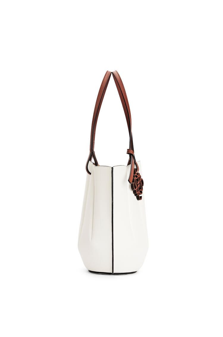 LOEWE Small Shell Tote bag in classic calfskin Soft White pdp_rd