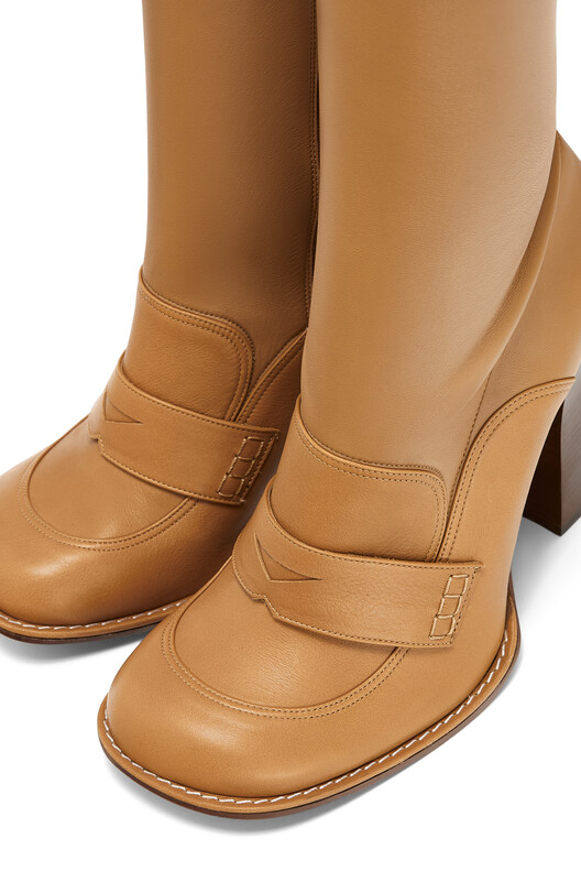 LOEWE Thigh Loafer Boot 90 Desert front