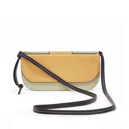 LOEWE ゲートポシェット Gold/Light Olive front