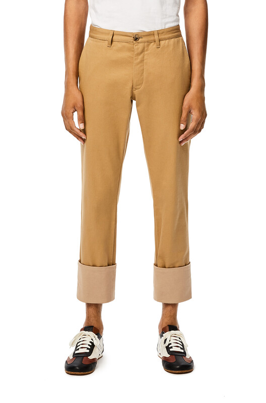 LOEWE Chino Turn Up Trousers 駝色 front
