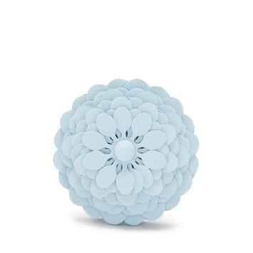 LOEWE Flor Tachuela Azul Cristal front