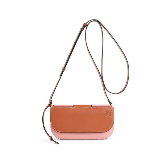 LOEWE ゲート ポシェット Tan/Medium Pink front